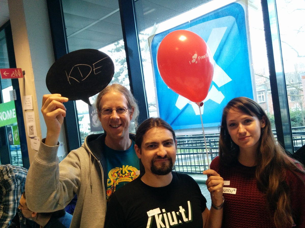KDE loves free software!